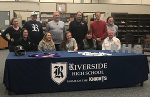 Abby Pippen Signs with PCC for Softball